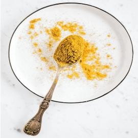 """🟡 La cúrcuma, también llamada """"especia dorada"""", ha inspirado muchas culturas a usarla más allá de la cocina. En la India se la apoda """"polvo sagrado"""", y se usa como pasta que se extiende por el cuerpo de los novios para purificarlos. Pero además, la medicina ayurvédica india la usa para la salud como tratamiento para el dolor crónico y la inflamación. 🦵🏻  💪🏻 En Dimefar hemos recopilado sus beneficios y los hemos combinado con más elementos beneficiosos para obtener Dolnodim, una auténtica ayuda natural contra el dolor y malestar en las articulaciones. ¡Toma 1 cápsula al día para notar su efecto positivo!  #DimefarForYou"""